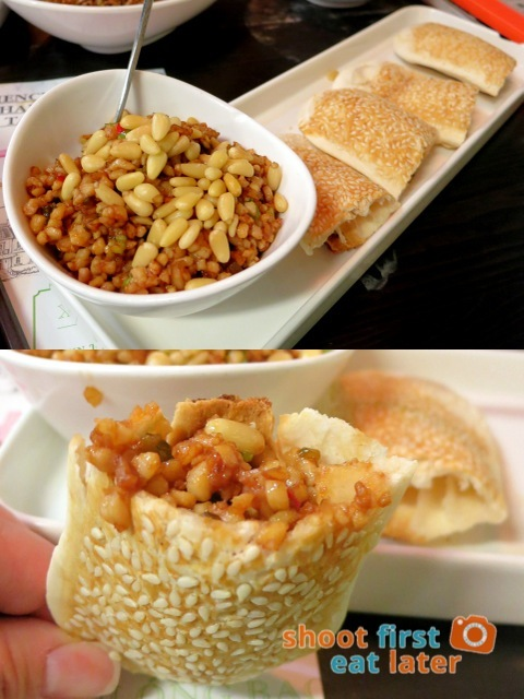 diced chicken with pine nuts in sesame pie HK$78