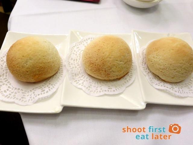 Fu Sing Seafood Restaurant - baked barbecue pork buns HK$42-001