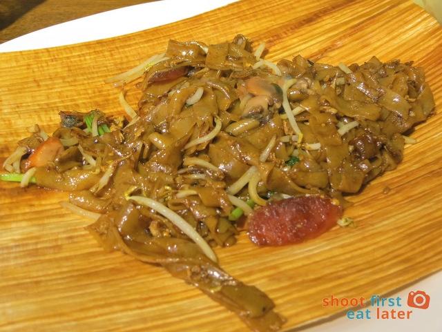 Thye Hong's char kway teow S$6