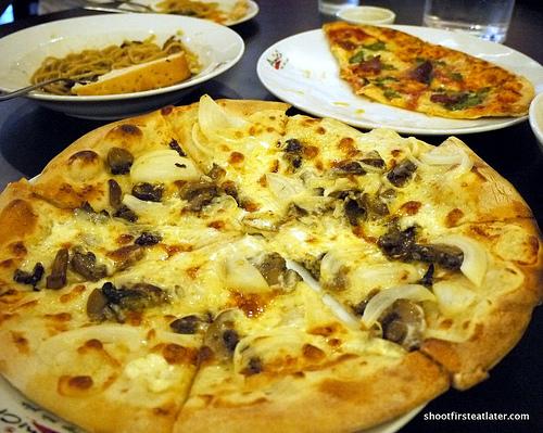 mascarpone e funghi pizza