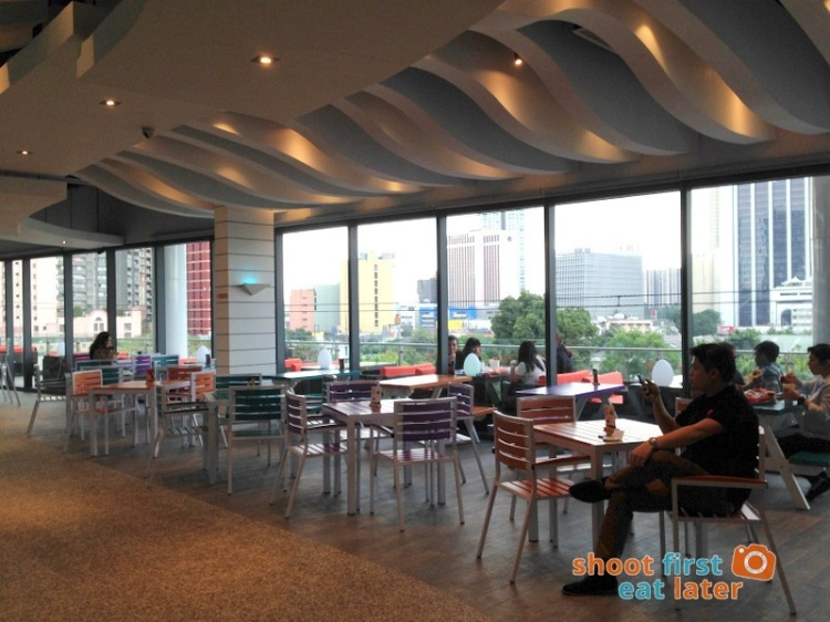 Century City Mall Manila- Caliburger-002