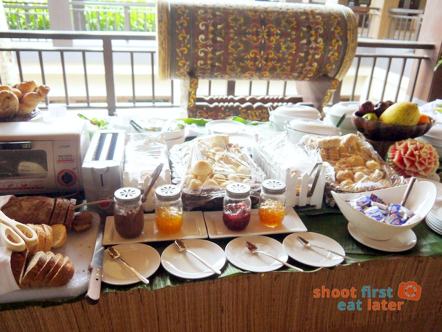 breakfast buffet at Balesin clubhouse-002
