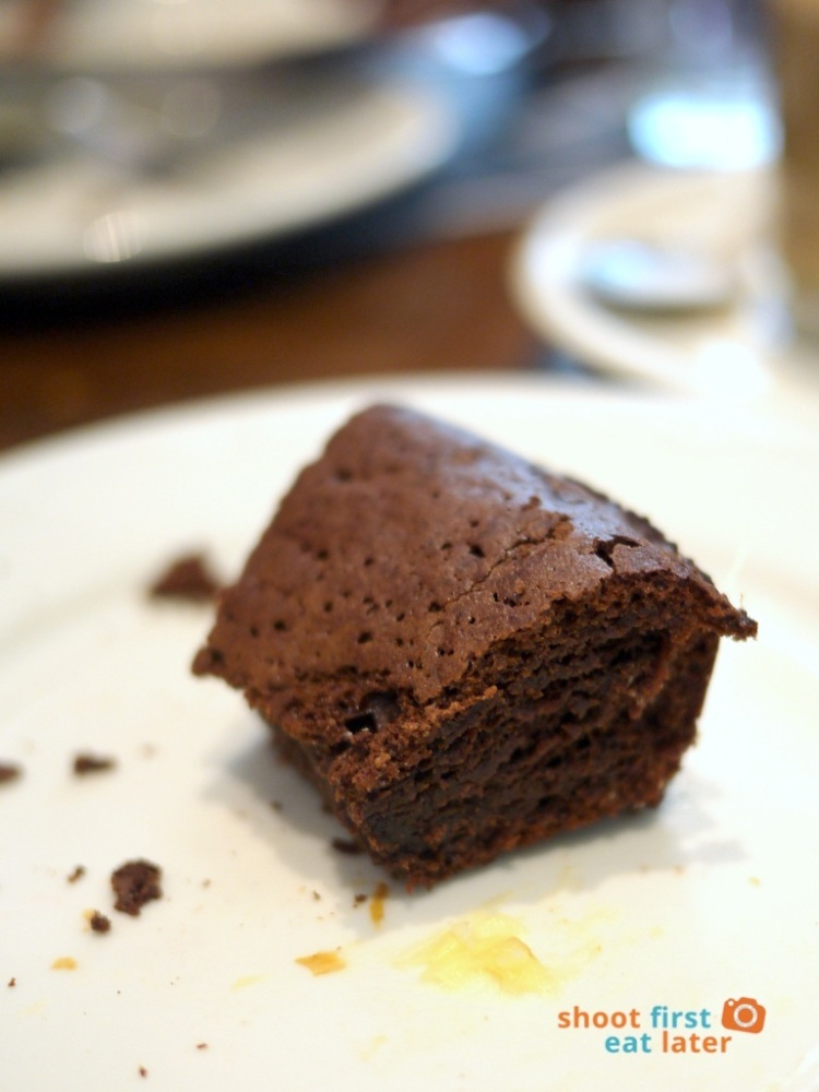 Paul Boulangerie Manila- moelleux chocolat (chocolate cake) P180-001