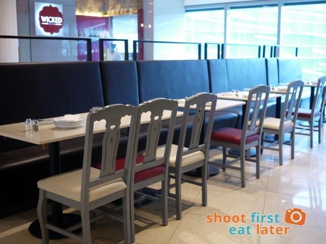 Kettle Restaurant (Shangri-La) -001