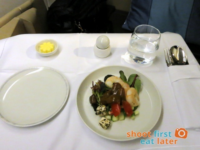 SQ 285 Boeing 777 300ER  business class meal -004