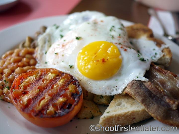 The Early Bird Full English Breakfast P495