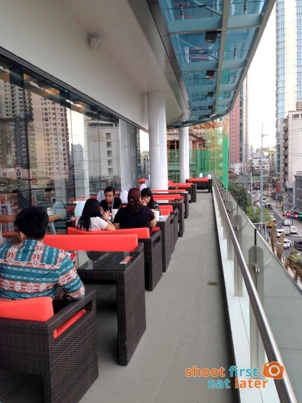 Century City Mall Manila- Caliburger-006