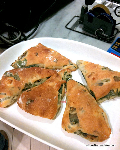Donq Bakery - Spinach & Cheese Rustique-3
