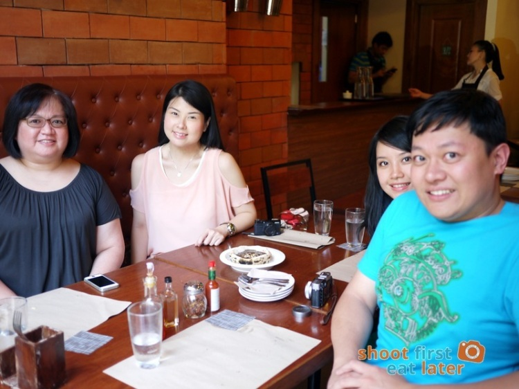 Gino's Brick Oven Pizza (Salcedo branch)- Jin, Thanis Lim, Mary