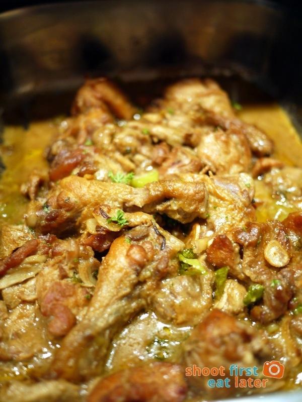 Alba Restaurante Español- Pollo al Ajillo (chicken in spicy garlic sauce)