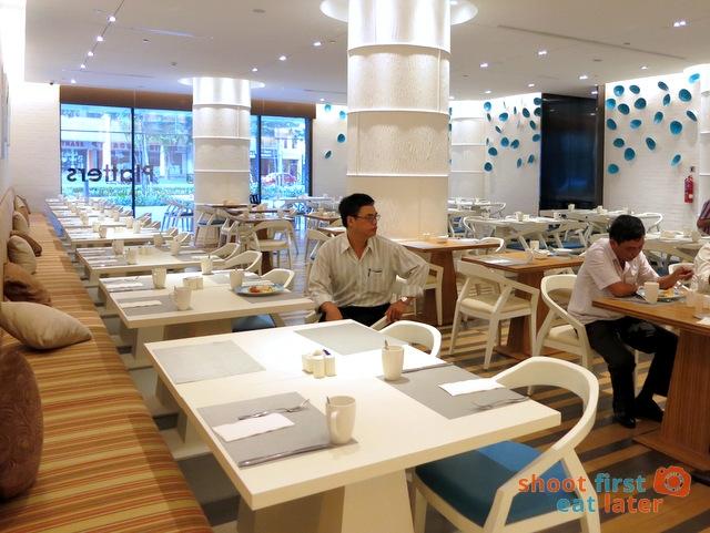 Breakfast at 21 on Rajah, Days Hotel Singapore-002