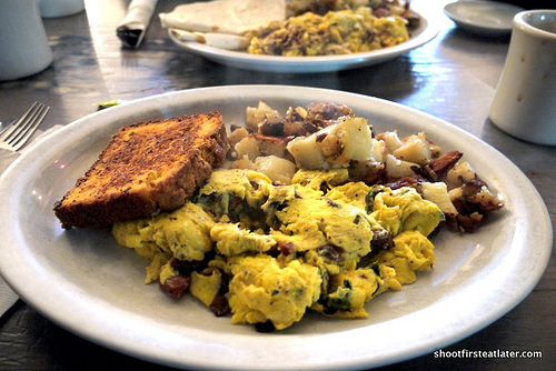 Dottie's True Blue Cafe- smoked whiskey fennel sausage, mushroom & spinach scramble