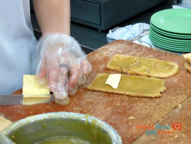 Ya Kun Kaya Toast- making kaya toast