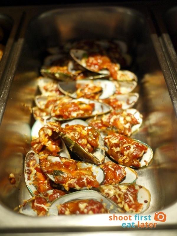 Alba Restaurante Español- Mejillones a la Brava (baked mussels in spicy sauce)