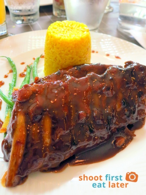 SAN ANTONIO Baby back ribs with yellow rice and assorted steamed vegetables P525