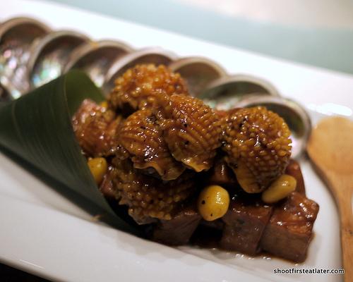 wok-fried baby abalone w/ mushrooms in black pepper sauce