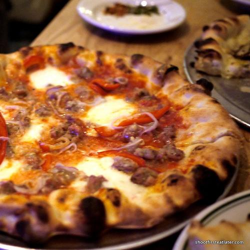 Pizza Delfina Salsiccia pizza