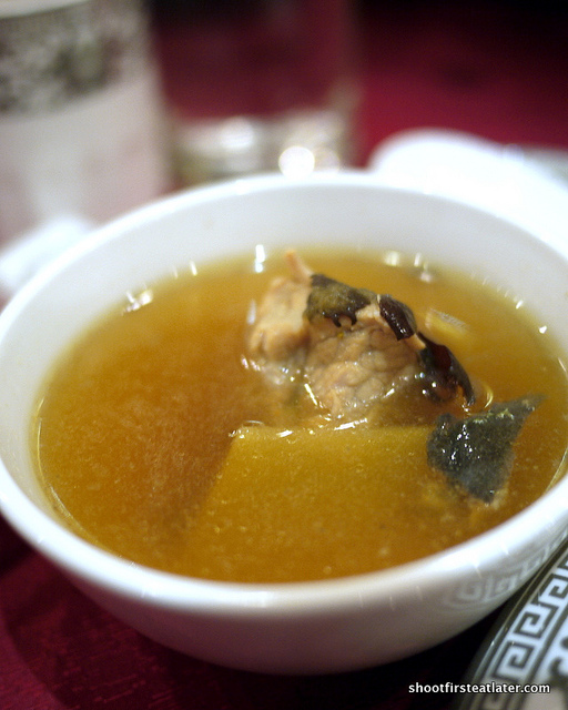 shell meat black chicken soup