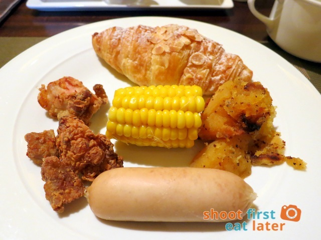 Sheraton Macao Club Lounge breakfast buffet -016