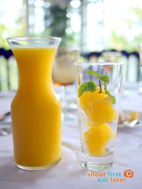 Antonio's Tagaytay- Fresh Mango Juice