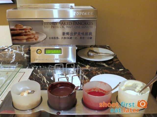 Sheraton Macao Club Lounge breakfast buffet - Popcake automatic pancake machine